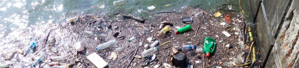 Innovatief organiseren van het opvangen en verwijderen van drijvend vuil in de jachthavens langs de kust